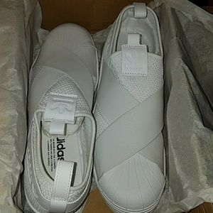 Adidas superstar slip on sneaker size 9.5 white